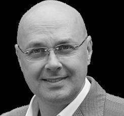 Юлиан Макаров